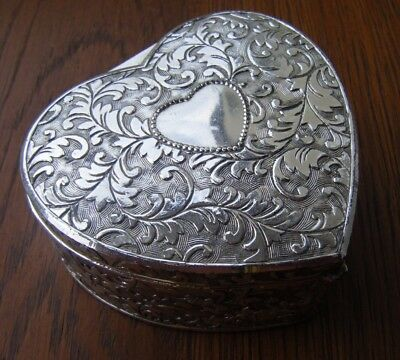 Vintage Heart Shaped Silver Plated Jewellery / Trinket Box
