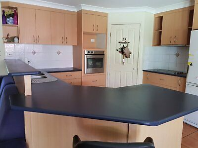 Complete second-hand kitchen with cooktop, SS oven, sink and rangehood