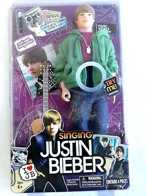 2010 JUSTIN BIEBER SINGING DOLL WITH GUITAR AND MICROPHONE BOXED ORIGINAL nib