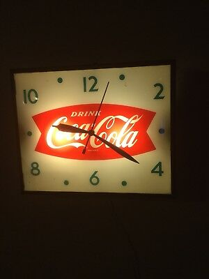 "Vintage 1960's Coca Cola Fishtail Soda Pop 13"" x 16"" Lighted Clock Sign **WORKS*"