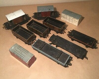 8 wagons (7 Hornby Dublo, 1 Bachman) plus 2 Hornby Wooden Containers,