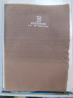 3 Pr Vintage Berkshire Seamed Full Fashion Nylon Stockings Size 9 Med Beige