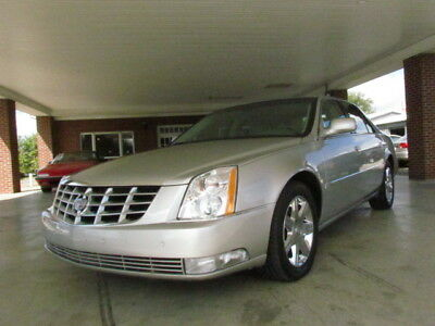 2006 Cadillac DTS  2006 Cadillac DTS~Super Clean In & Out~Power Roof~LOADED~NO RESERVE!!