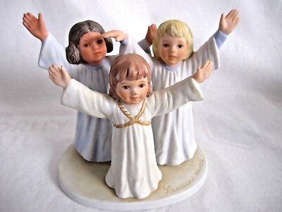 Christmas Pageant 1985 Figurine by FRANCES HOOK for Roman Inc. Child's World