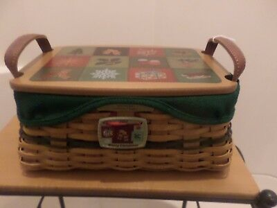 Longaberger Holiday  2002 Traditions Basket Combo With Wood Lid