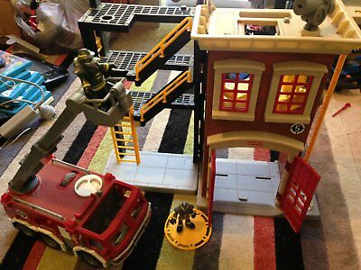 Fisher price Imaginext Rescue Center Fire Station and fire truck