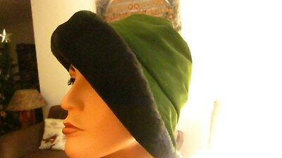 1950,s green velvet with faux fur trim soft easy to wear hat from Jacoll