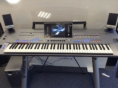 Yamaha Tyros 5 With Ms05 Speakers In Pristine Condition Inc. Flash Memeory