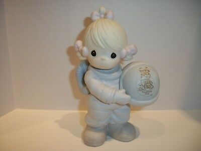 """Precious Moments """"The Club That's Out of This Worldr"""" Collectors Club Figurine"""