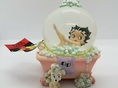 1999 Betty Boop Bathtub Water Globe Westland Giftware bubble bath new in box