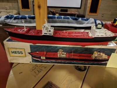 1966 Hess Voyager Tanker Ship With Box