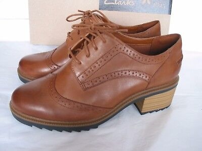 NEW CLARKS BALMER BELLA SOFT Brown LEATHER SHOES SIZE 5 & 7  D FIT