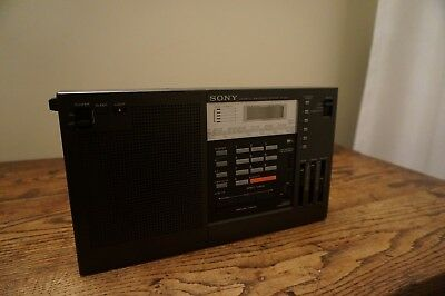 SONY FM/AM 2BAND RECEIVER Model No. ICF-2001 WORKS PERFECTLY