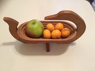 Collapsible Wooden Basket Bowl Trivet Oval Montana Fruit Nuts