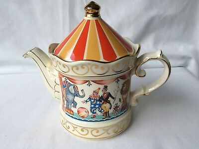 Sadler 1 Pint Teapot Edwardian Entertainments Circus  Staff England
