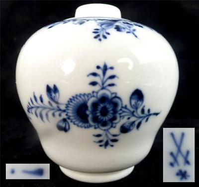 Antique Meissen Marcolini Porcelain Tea Caddy Onion Pattern