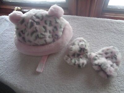 Sweet little Carter's soft pink leopard hat with tiny mittens.  Size 3-9 months