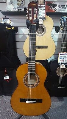 Valencia 3/4 Size Classical Guitar for Kids with Headstock Tuner and Capo - Nat
