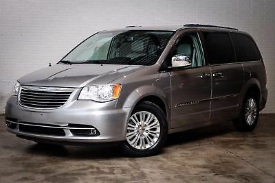 2013 Chrysler Town & Country Touring-L 2013 Silver Touring-L!