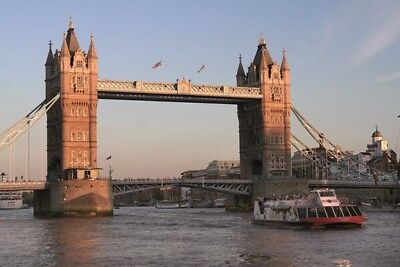 RRP£44 Thames Sightseeing Cruise for Two / London (Unlimited Travel for 3 days!)