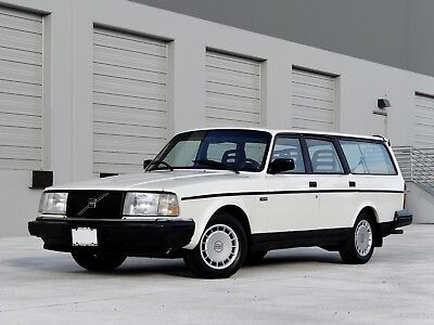 1993 Volvo 240  1993 VOLVO 240 WAGON (113,000 LOW ORIGINAL MILES) (PASSED SERVICE INSPECTION)