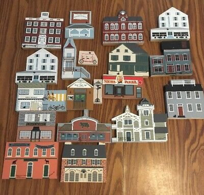 Lot of 20 1990's  The CATS MEOW VILLAGE WOODEN HOUSES & ART DECORATIONS Rehoboth