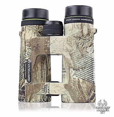 Vanguard 10x42 Binocular featuring Realtree MAX-1, perfect for bow hunting