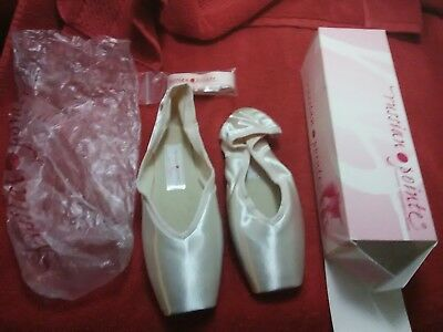 Russian Pointe Ballet Shoes - New