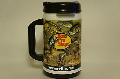 32oz. Bass Pro Shops Sevierville, TN Insulated Plastic Mug Whirley USA