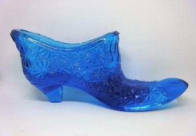 Fenton Blue Glass Slipper Buttons and Daisies Pattern