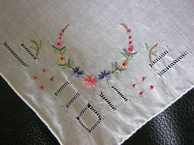 Gorgeous Embroidered Floral Corner Vintage Handkerchief! STuNNing! Lovely!