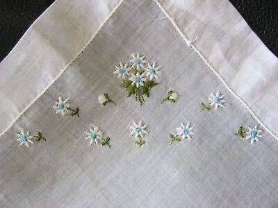"""Gorgeous Embroidered """"Tiny Daisies!"""" Vintage Handkerchief! STuNNing! Lovely!"""