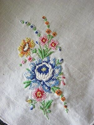 """Gorgeous Embroidered """"Roses & MORE!"""" Vintage Handkerchief! STuNNing! Lovely!"""
