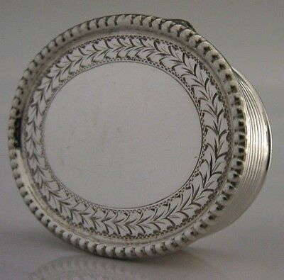 GOOD QUALITY ENGLISH SOLID STERLING SILVER PILL or SNUFF BOX 1988