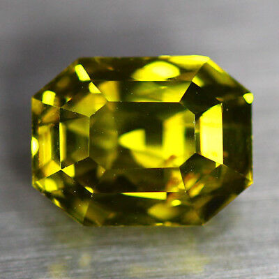 """4.62 Cts """"aigs Certified """"100 % Natural Unheated Chrysoberyl_Vivid Green-Yellow"""