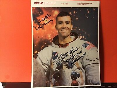FRED HAISE SIGNED COLOR 8 x 10 PHOTO/ APOLLO 13 ASTRONAUT