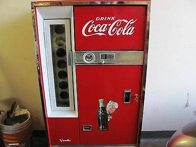 Coca Cola Coke Machine Vendo H63 A  63 bottles of Soda