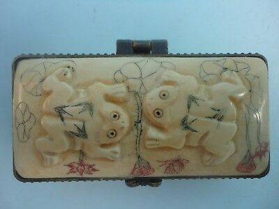 Collection China Tibet Old Hand Carved Vivid Lovely Frog Snuff Box Decoration
