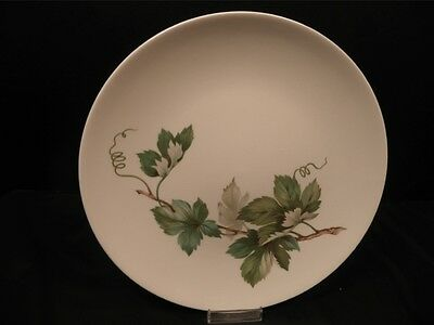 """Knowles Grapevine 4 dinner plates 10 1/4"""" diameter Vintage X-2246-0 Made in USA"""