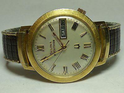 Nice 1973 Vintage Broad Bezel Roman Numeral Dial Ygf Day/date Bulova Accutron