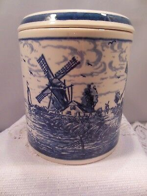 """Vtg. Delft Blaun Hand Painted In Holland Canister 4"""" Wide & 4 1/4"""" Tall"""