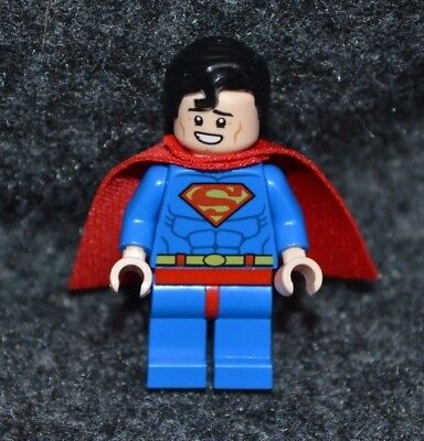 SUPERMAN w/ smile ~ Minifigure ~ Lego DC Super Heroes ~ MINT ~ NEW