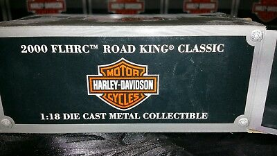 Maisto 1:18 scale, 2000 FLHRC Road King Classic Harley Davidson Motorcycle