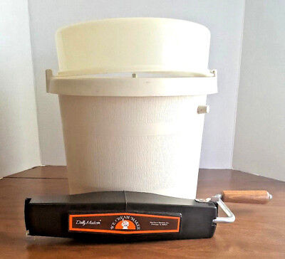 Vintage Rival Dolly Madison Ice Cream Maker 8450-2 Hand Crank 4 Quart Maker