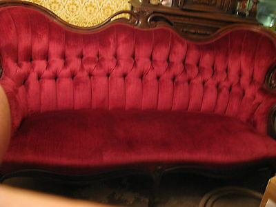Vintage Victorian Tuff Sofa CRUSHED RED VELVET Real Mahogany Wood /Carved roses