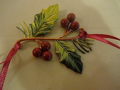 2011 Longaberger Holly Berry Christmas Basket Tie ON New!
