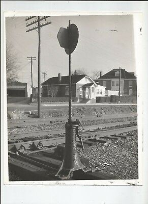 """Vtg  8"""" X 10""""  PHOTOGRAPH  SMALL TOWN RAILROAD BETHLEHEM STEEL CO SAFETY STAND"""