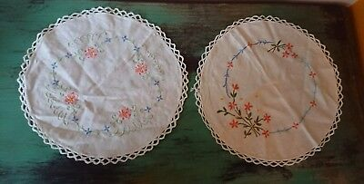 2 x FABULOUS VINTAGE HAND EMBROIDERED Tablecloth floral flowers round mats old