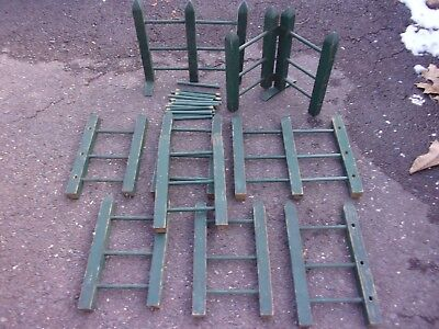 "Antique Wooden Toy Green Fencing  ~ 6.75""W X 11.25""H ~ 12 Sections"