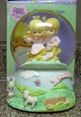 Precious Moments Musical Waterball Ring Around The Rosie By Enesco